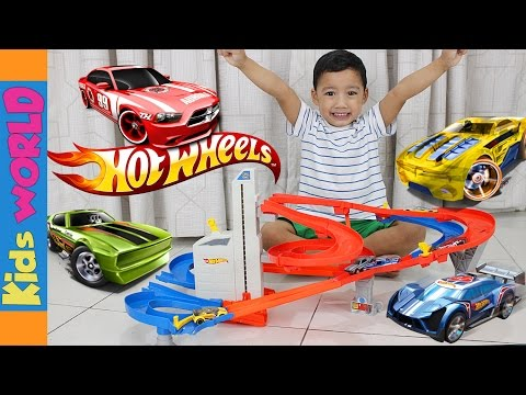 The AWESOME Hot Wheels Auto Lift Expressway Toy Set Unboxing