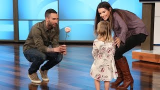 Video Adam Levine's New Girlfriend download MP3, 3GP, MP4, WEBM, AVI, FLV Oktober 2017
