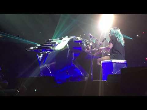 Lady Gaga - Shallow (Live in Las Vegas)