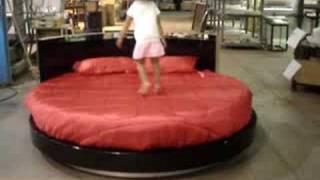 Sercio Round Bed
