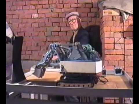 Старт модели экскаватора системы инженера Куркова