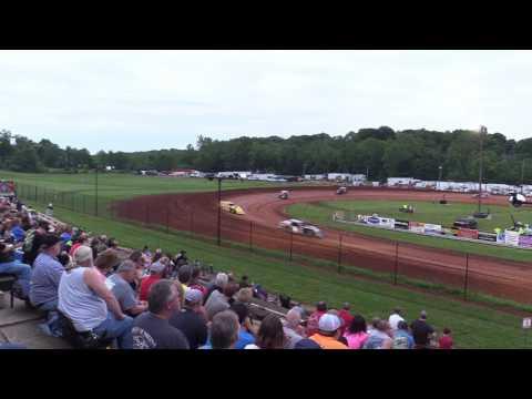 Bloomington Speedway   5.26.17   UMP Modifieds   Heat 1