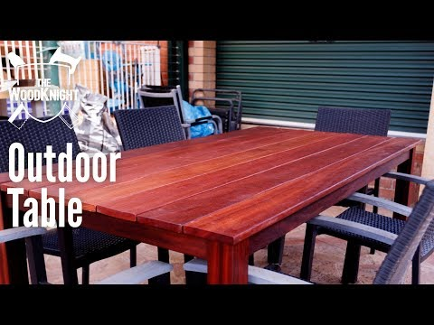 Outdoor Table (Free Plans!)