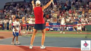 Venus Williams plays Mini Tennis at Wash. Kastles match