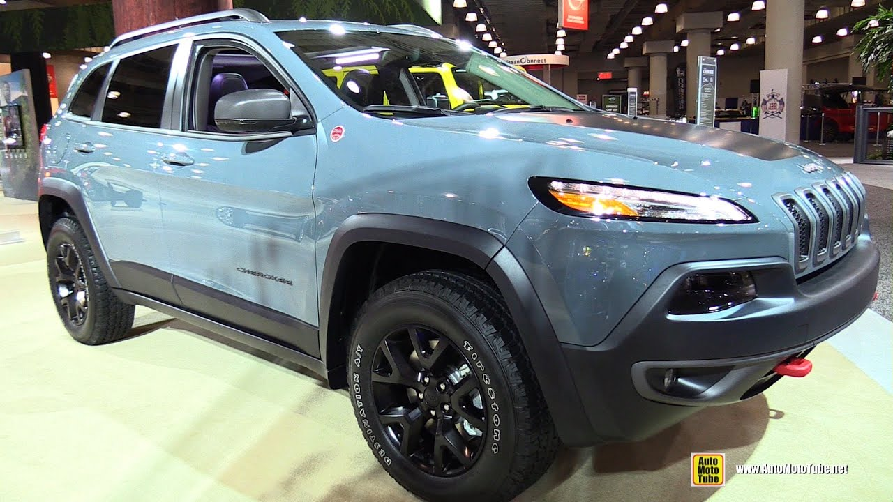 2015 jeep cherokee trailhawk exterior and interior walkaround 2015 new york auto show youtube. Black Bedroom Furniture Sets. Home Design Ideas