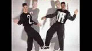 Watch Kid n Play Gittin Funky video