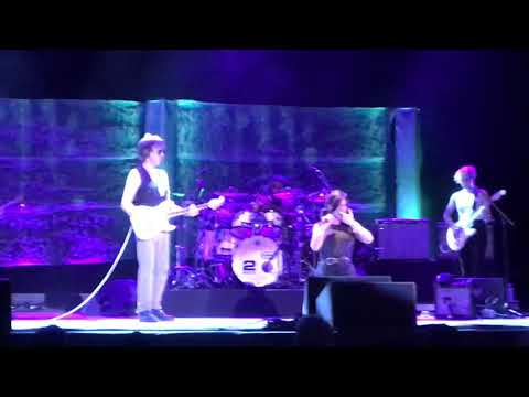 Jeff Beck @ Fiddlers Green Amphitheater In Englewood, Colorado. 8/07/2016. (Scared For The Children)
