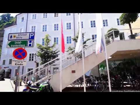 Salzburg Museum Haus der Natur Standort in der Altstadt von Salzburg nahe dem Ufer Salzach gelegen