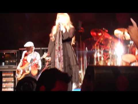 LITTLE LIES Fleetwood Mac 4/6/15 Rabobank Arena, Bakersfield, CA