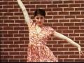 Capture de la vidéo Madonna'S Millions - Bbc 1 Documentary - Part One - Madonna'S Childhood Home - New York Years