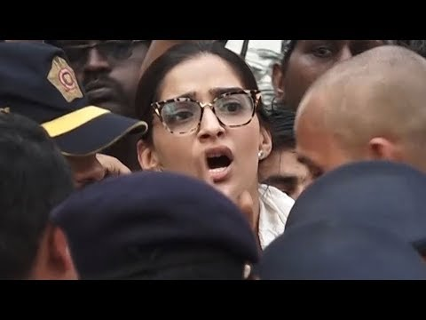 Angry Sonam Kapoor looses her cool at Sridevi's Funeral HD video