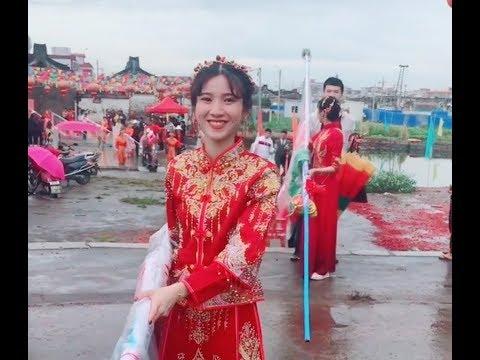 廣東潮州地區傳統文化民俗活動,人山人海帥哥美女多才多藝Teochewtraditional folk music carnival