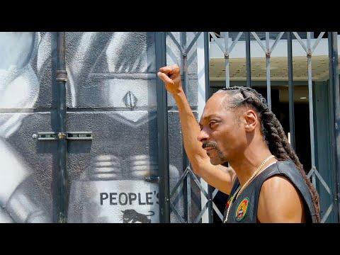 Snoop Dogg- So Misinformed ft. Slick Rick (Official Video)