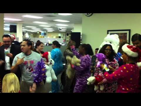 3 Day Blinds customer care holiday song