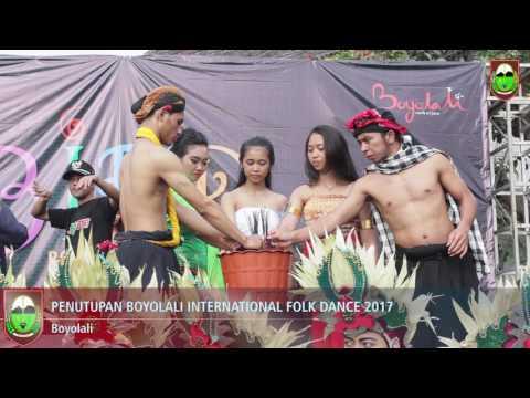 penutupan folk dance