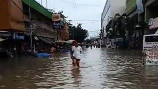 Residents Flee Homes After Typhoon Ompong Mangkhut Floods