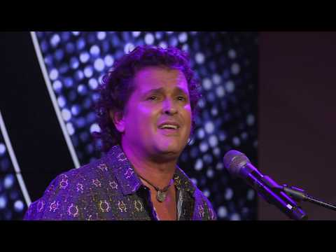 Carlos Vives - Robarte Un Beso | EN VIVO Desde YouTube Space NYC!