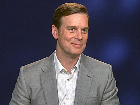 Peter Krause Explains Love Story in 'The Catch'