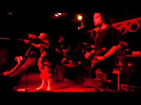 Ektomorf - Stay Away & What Doesn't Kill Me... (Live @ Zizers 2011)