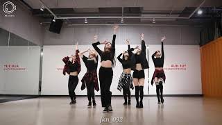 Everglow - Bon bon chocolate dance practice mirror