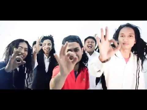 MOMONON - SEMANGAT OKE (Official Music Video)
