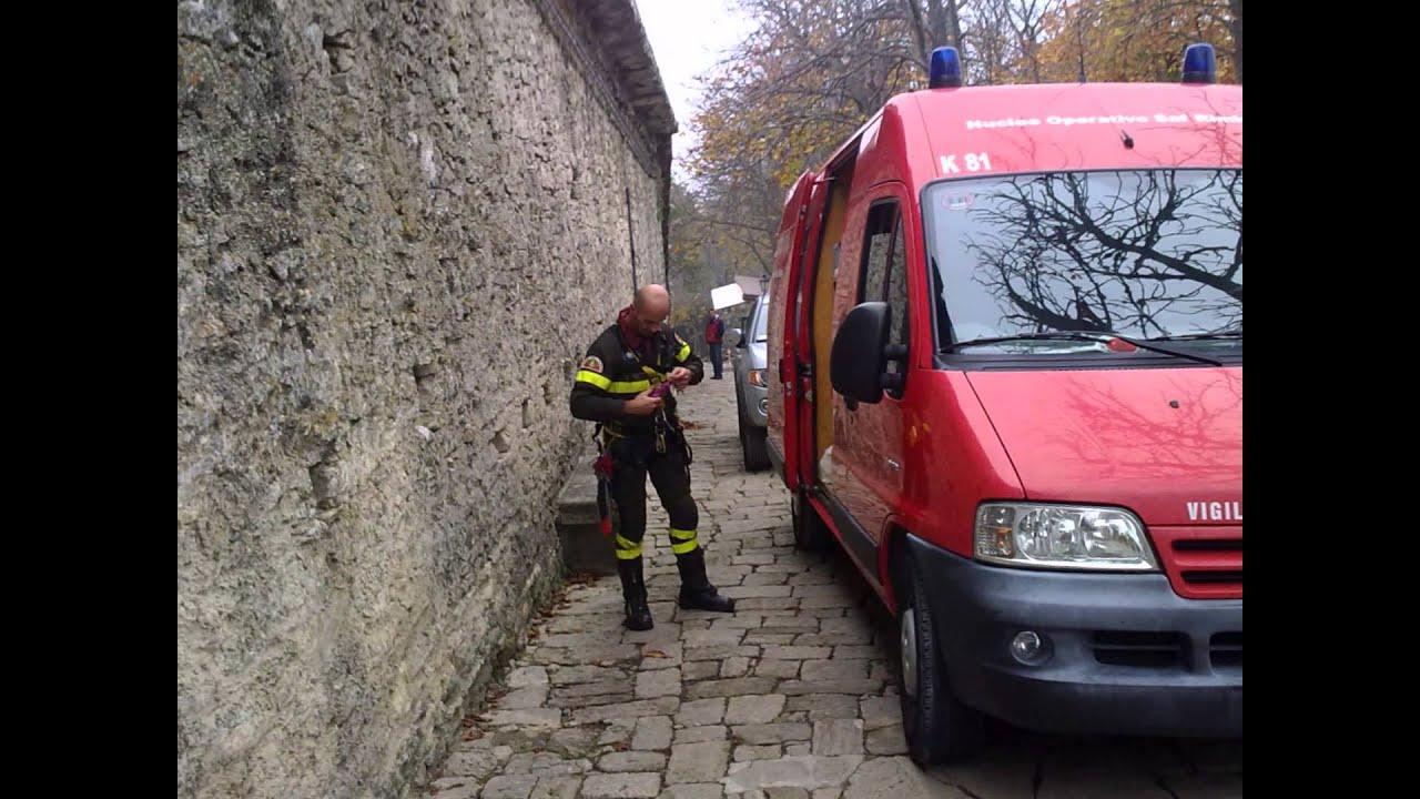 San Marino, Vigili del Fuoco di Rimini e San Marino salvano un setter  Inglese da 50 mt di altezza