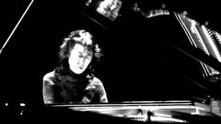 Mozart - Piano Concerto No. 20 in D minor, K. 466 (Mitsuko Uchida)