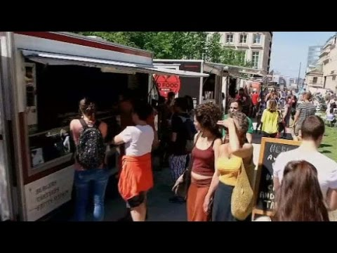 Brussels aims to break food truck record