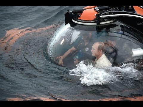 Владимир Путин спустился в батискафе на дно Черного моря