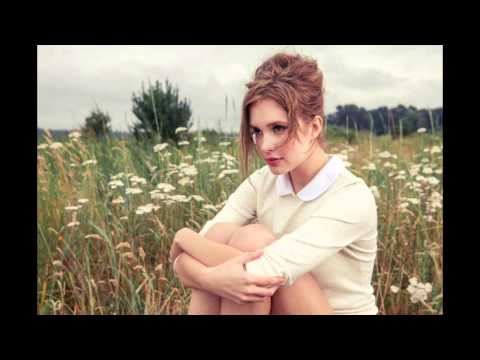 Alexia Fast Sings her own al Version of