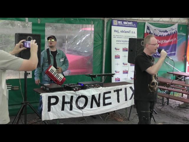 Vlastenecký pokec, koncert skupiny Phonetix