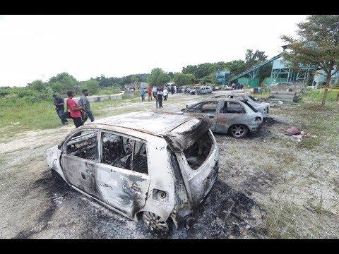 Riot breaks out at Subang Jaya temple; 18 vehicles set ablaze