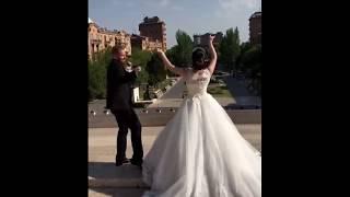 Зажигательный танец жениха и невесты / Армянская свадьба на Каскаде в Ереване 2018
