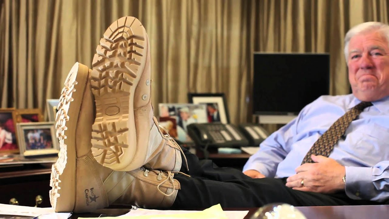 Gov Haley Barbour (MS) GETS HIS BOOTS ON - YouTube