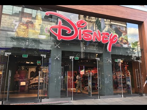 AN INSIDE LOOK AT THE DISNEY STORE LONDON