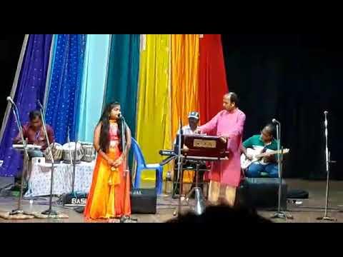 Srijeeta 's projapoti projapoti amar iccha hoy wonderful performence