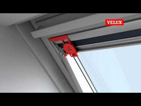 Montagefilm VELUX verduisterend rolgordijn DKL | dakramen.nl - YouTube