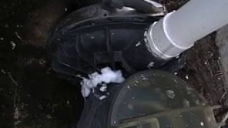 pool air leak troubleshooting with shaving foam(, 2018-03-12T00:33:28.000Z)