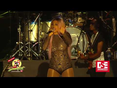 ''Shenseea'' ''FLOP'' Performaning at ''Reggae Sumfest 2017''- July 2017