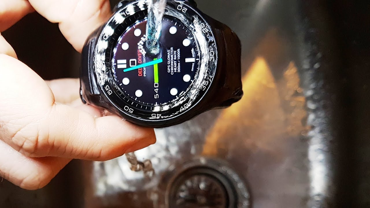 wholesale dealer 5b192 dd0cf 25 Minutes UNDER WATER. Huawei Watch 2 Water Test. IP68 Water resistant