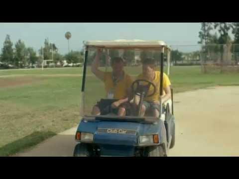 Emras golfbilskaos - kör som en berusad - Heja Sverige (TV4)