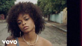 Смотреть клип Lila Iké - I Spy