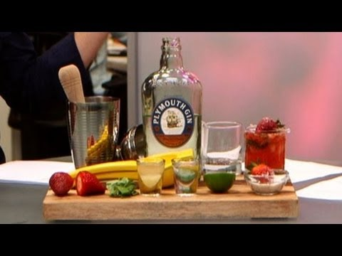 Strawberry Basil Gin Cocktail Recipe | Drink Ideas | Happiest Hour