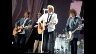 ROD STEWART - DIRTY OLD TOWN - live - LIMERICK 04-07-09