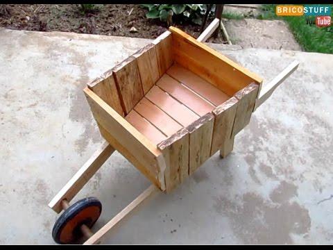 Bricolage : Comment fabriquer une brouette décorative en bois pour ...