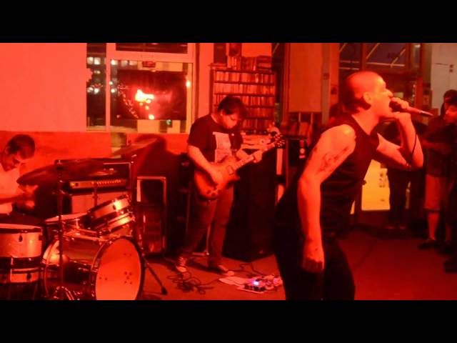 Gay Kiss - Live 8/20/14 @ Nice Price Books