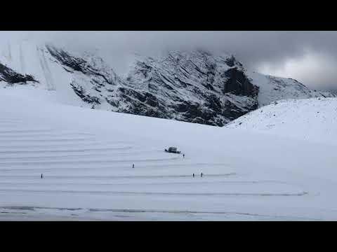 VIDEO. Dopo le nevicate, lo Stelvio si tira a luci...