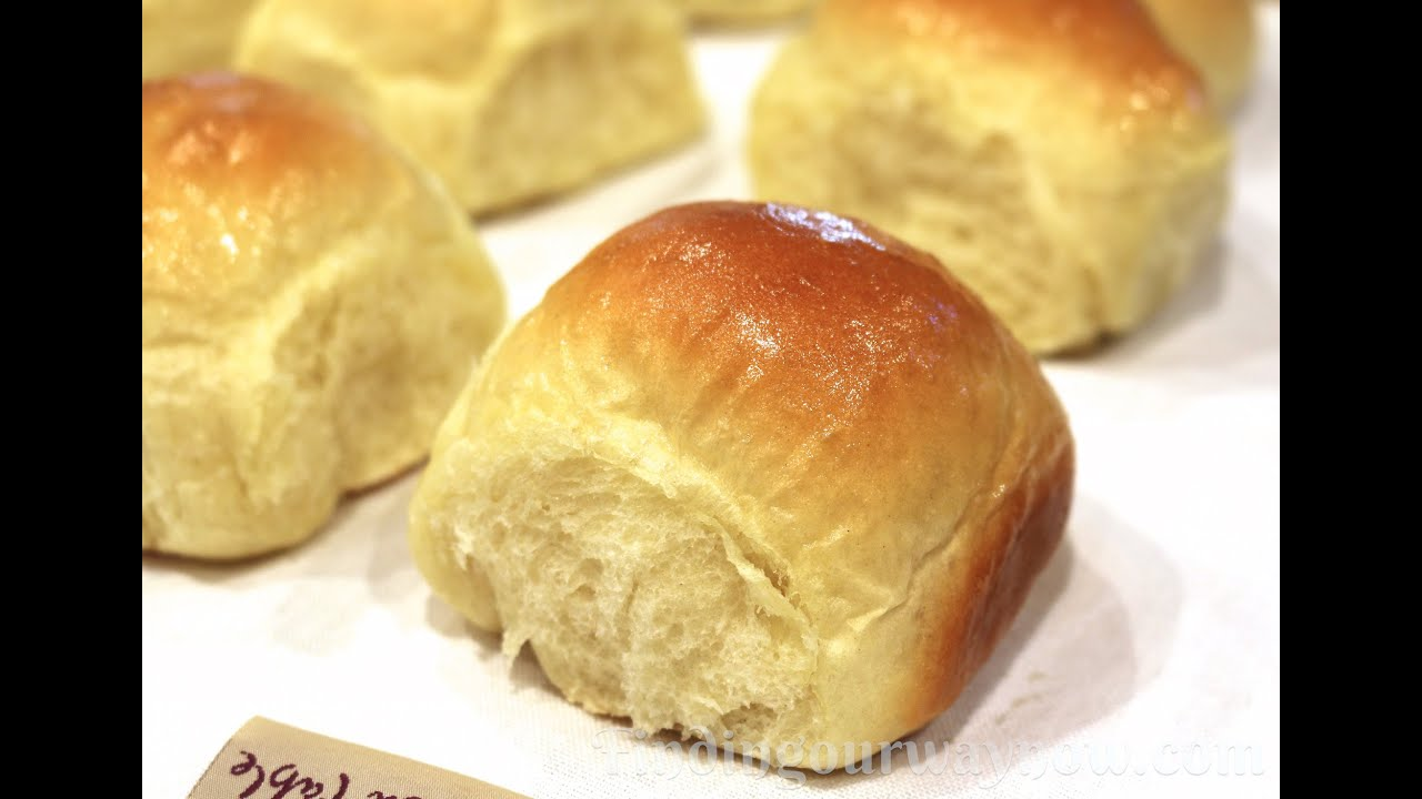 Making Old Fashioned Yeast Rolls - YouTube