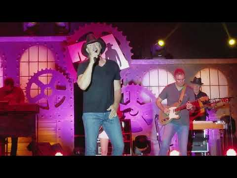 Trace Adkins - I'm No Angel (Gregg Allman Band cover) - Live 2017