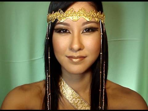 Egyptian Queen Makeup Tutorial + DIY Headdress! - YouTube
